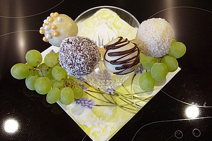 Coconut Cake Pops 5