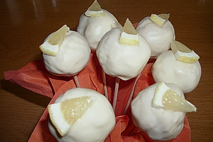 Lemon Cake Pops 35
