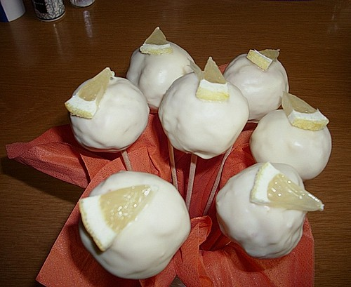 Lemon Cake Pops 11
