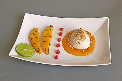 Kokos Panna cotta mit marinierten Mangos