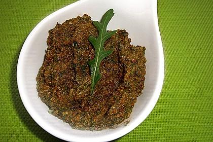 Pesto von getrockneten Tomaten und Rucola 2