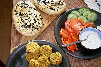 Schnelle Falafel in Pitabrot 6