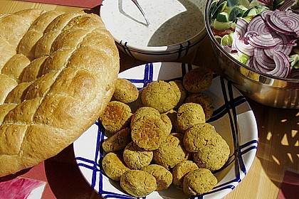 Schnelle Falafel in Pitabrot 12
