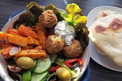 Schnelle Falafel in Pitabrot 1