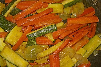 Zucchini-Möhren-Gemüse 17