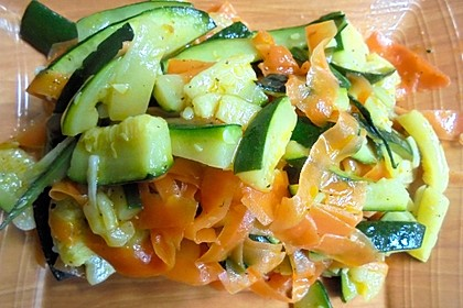Zucchini-Möhren-Gemüse 15