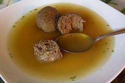 Kräuter-Leberknödel-Suppe 9