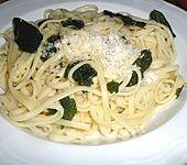 Spaghetti mit Salbeibutter