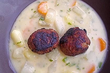 Kohlrabicremesuppe mit Fleischklößchen 31