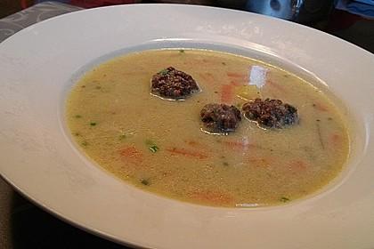 Kohlrabicremesuppe mit Fleischklößchen 3