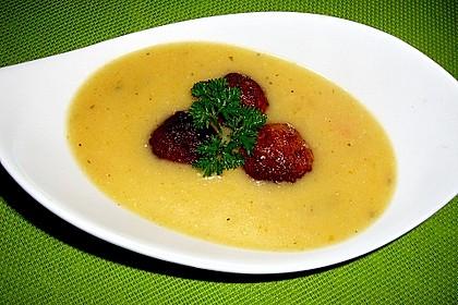 Kohlrabicremesuppe mit Fleischklößchen 1