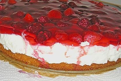 Joghurt-Sahne-Torte mit Früchten 4