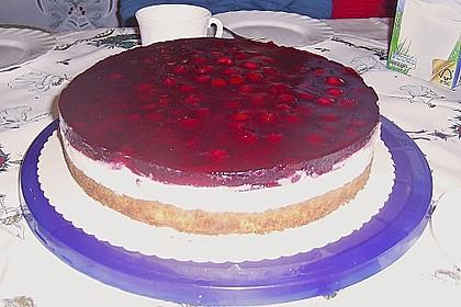 Joghurt-Sahne-Torte mit Früchten 7