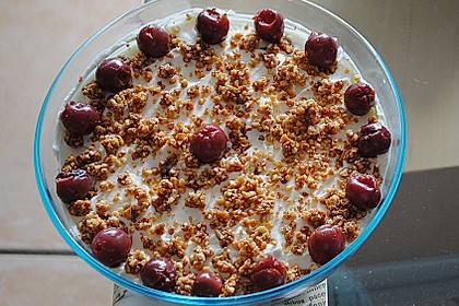 Frischkäse-Kirsch-Dessert 7