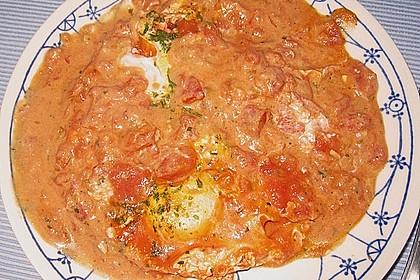 Eier in Tomatensugo 11