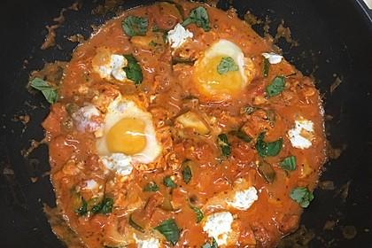 Eier in Tomatensugo 15