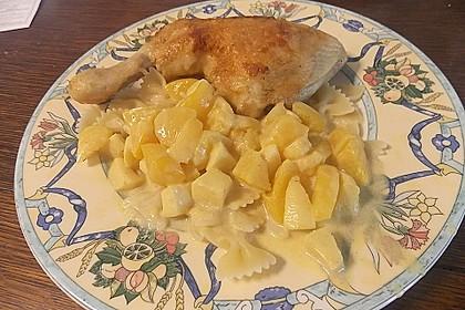 Hähnchenkeulen mit Banane und Ananas