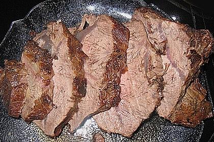Rinderbraten mit einer Senfkräuterkruste
