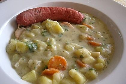 Dicke Kartoffelsuppe mit Wurst