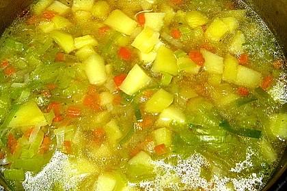 Dicke Kartoffelsuppe mit Wurst 3