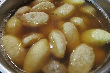 Grießklößchensuppe 16