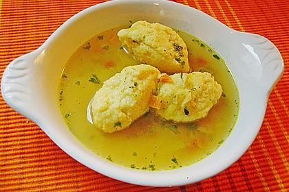 Grießklößchensuppe