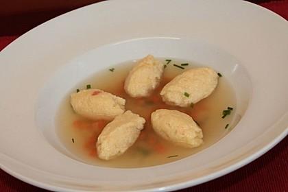 Grießklößchensuppe 4