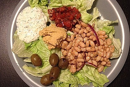 Piyaz; weißer türkischer Bohnensalat 13
