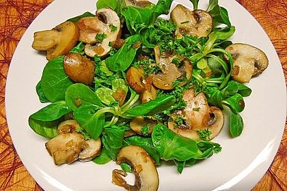 Feldsalat an Champignons 1