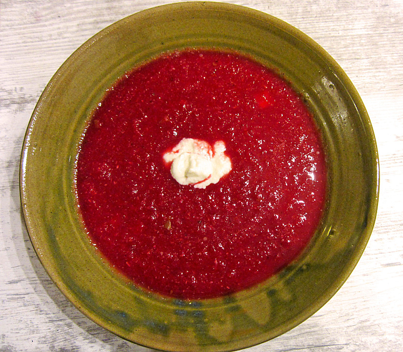 rote bete suppe mit meerrettich und apfelw rfeln rezept mit bild. Black Bedroom Furniture Sets. Home Design Ideas