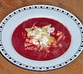 Rote - Bete Suppe mit Meerrettich und Apfelwürfeln (Bild)