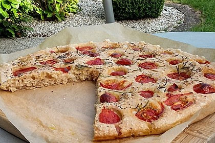 Focaccia mit Tomaten und Rosmarin 43
