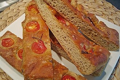 Focaccia mit Tomaten und Rosmarin 25