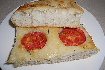 Focaccia mit Tomaten und Rosmarin 34