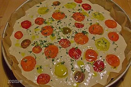Focaccia mit Tomaten und Rosmarin 85