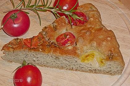 Focaccia mit Tomaten und Rosmarin 32