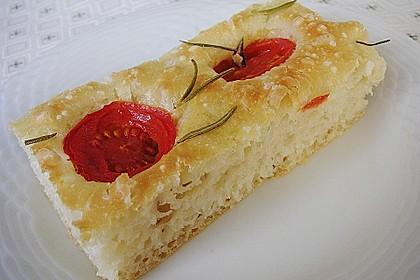 Focaccia mit Tomaten und Rosmarin 17
