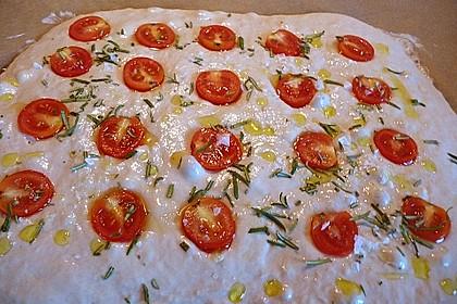 Focaccia mit Tomaten und Rosmarin 60