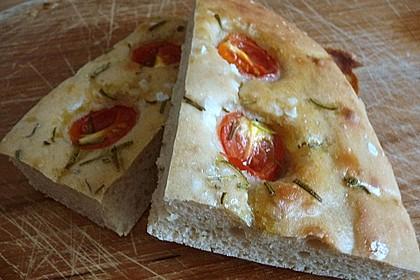Focaccia mit Tomaten und Rosmarin 49