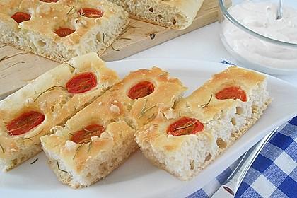 Focaccia mit Tomaten und Rosmarin 6
