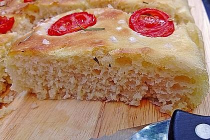 Focaccia mit Tomaten und Rosmarin 22