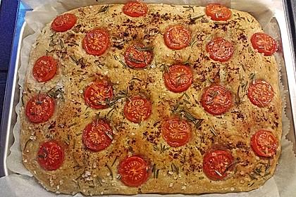 Focaccia mit Tomaten und Rosmarin 24