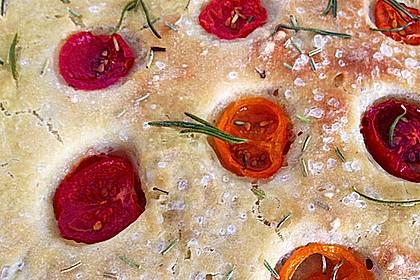 Focaccia mit Tomaten und Rosmarin 36