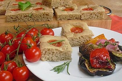 Focaccia mit Tomaten und Rosmarin 4