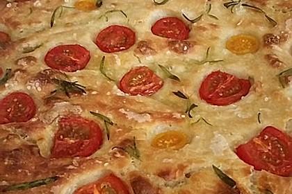 Focaccia mit Tomaten und Rosmarin 7