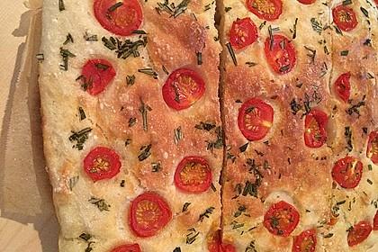Focaccia mit Tomaten und Rosmarin 21