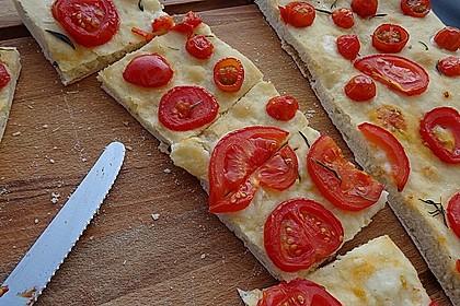 Focaccia mit Tomaten und Rosmarin 5