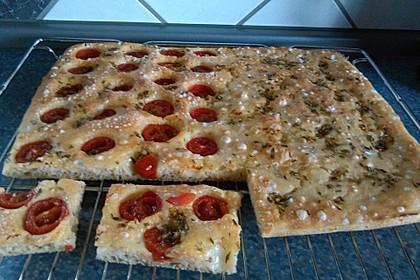 Focaccia mit Tomaten und Rosmarin 29