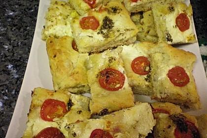 Focaccia mit Tomaten und Rosmarin 46