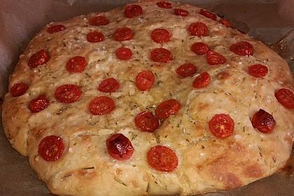 Focaccia mit Tomaten und Rosmarin 11